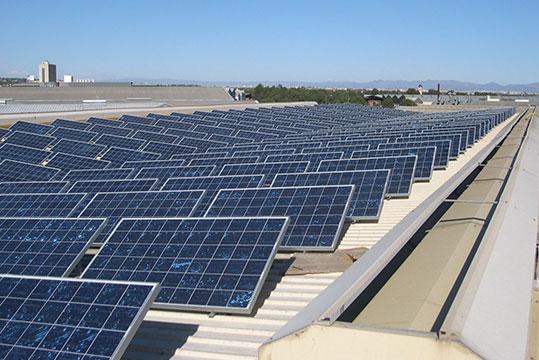 Placas solares en naves
