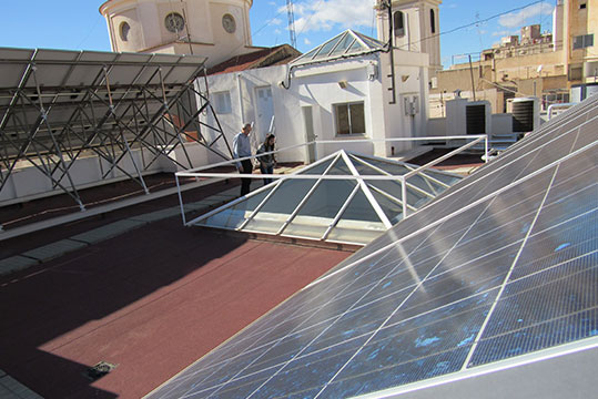 Placas solares en sede central Enercoop