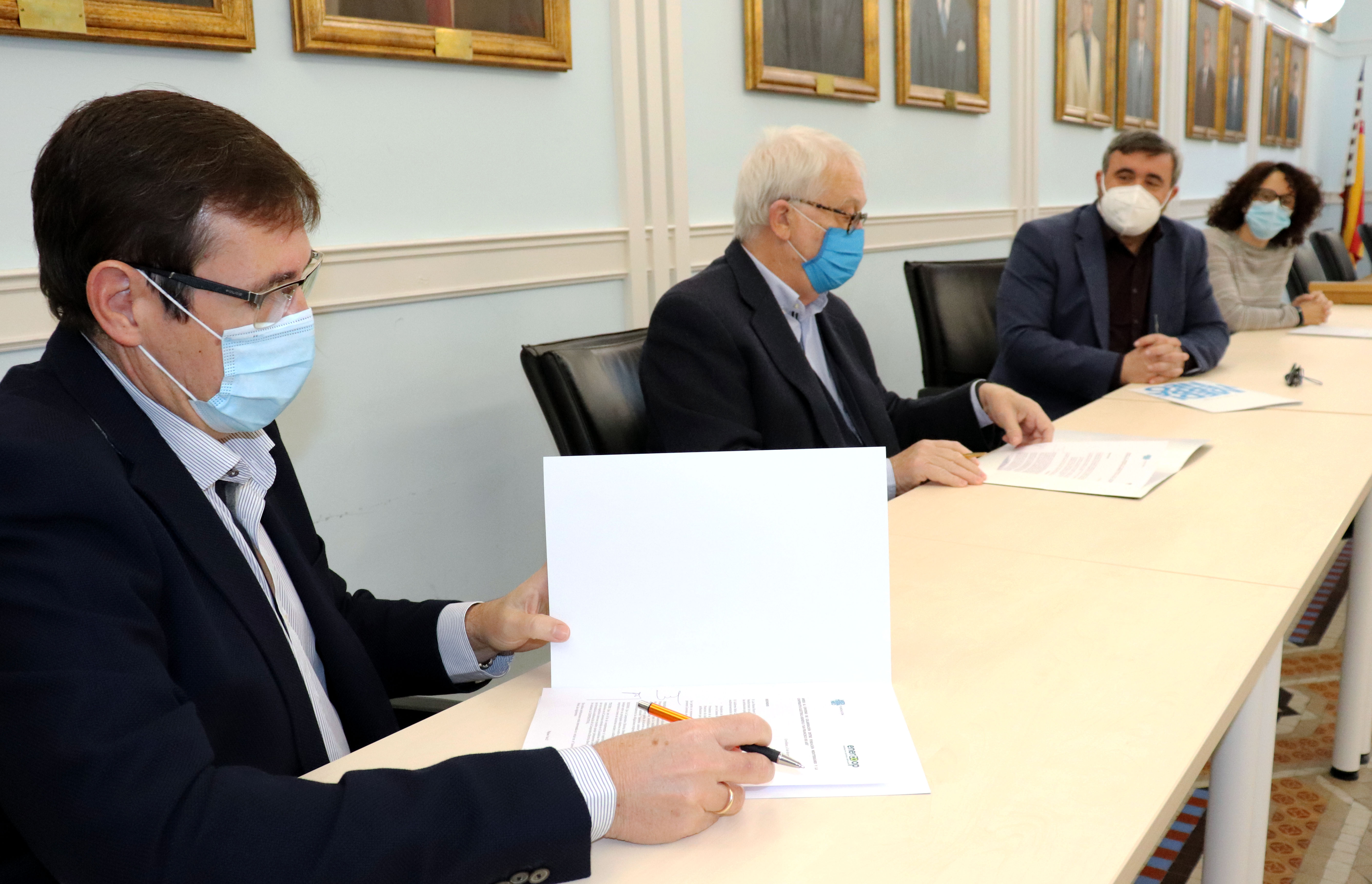 Guillermo Belso, presidente Grupo Enercoop;Luis Boyer,presidente de Fundación Mediterráneo;José Manuel Penalva, alcalde de Crevillent; Estefanía Salinas, concejala Medio Ambiente Crevillent.